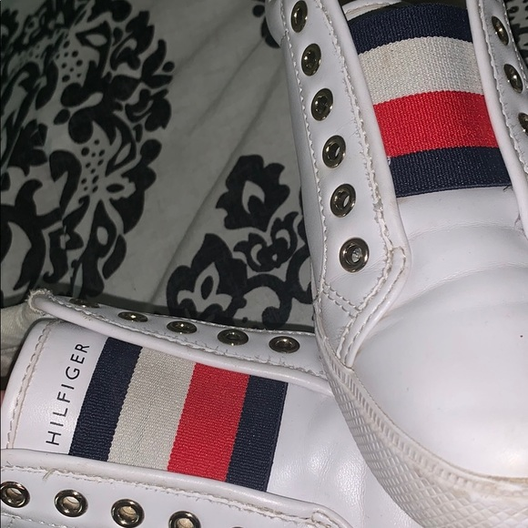 Tommy Hilfiger Womens Laven Sneakers
